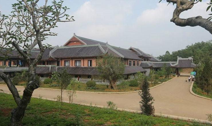 Khuôn viên nhà khách chùa Bái Đính - Ninh Bình