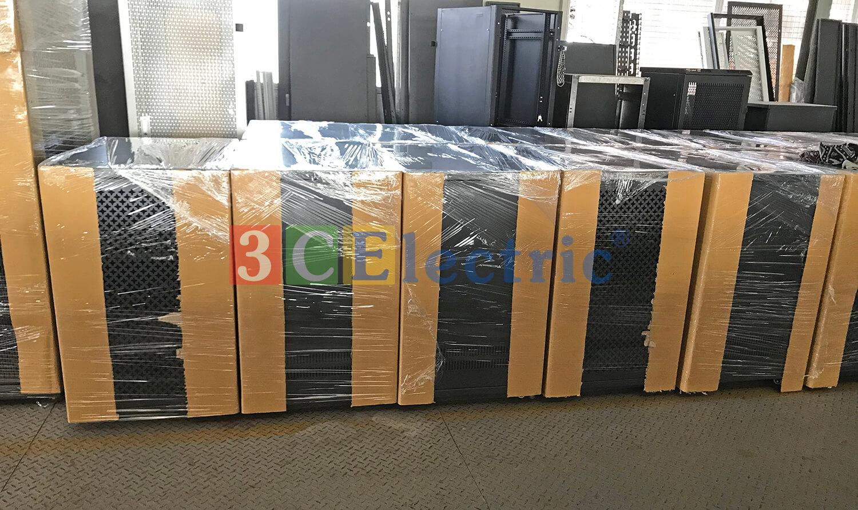 tủ rack, tủ mạng được đóng gói tại nhà máy 3CElectric