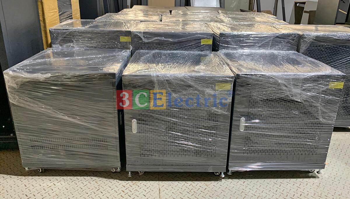 cung cấp hệ thống tủ rack 15U cho các dự án Vingroup