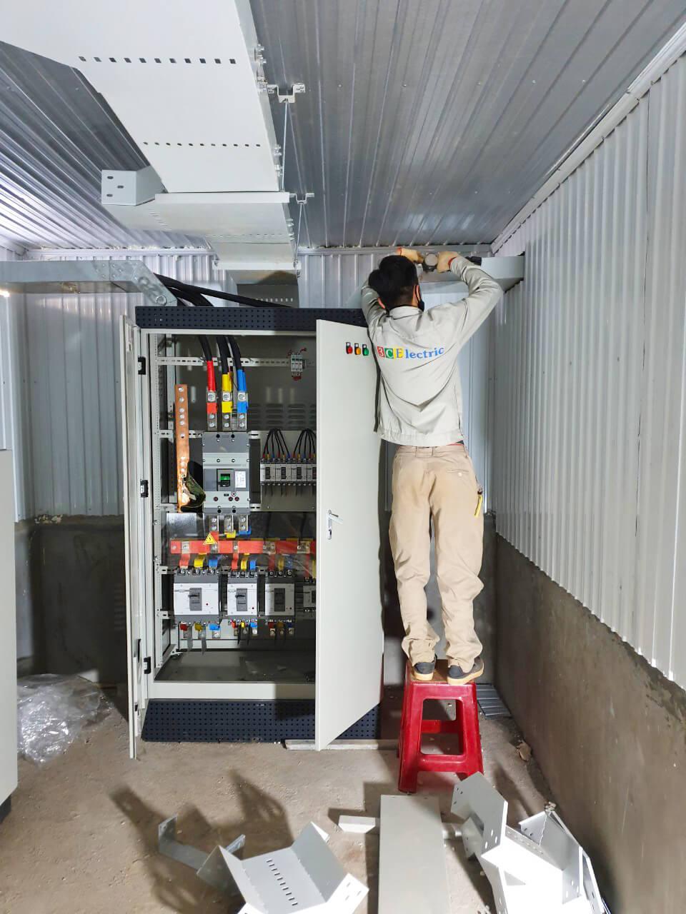 Cung cấp tủ điện điều khiển cho dự án trại heo Bình Phước
